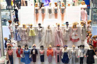 A História da Barbie: Um mundo cor-de-rosa de sonhos e fantasias