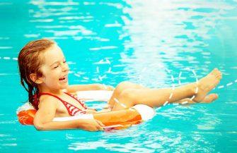Como evitar o afogamento de crianças no verão